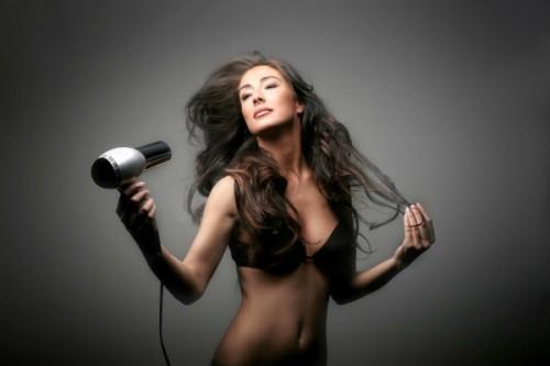 Как убрать электризацию волос?3